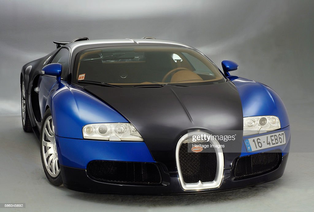 Show me a picture of a bugatti veyron