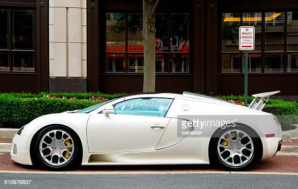 bugatti veyron - bugatti stock pictures, royalty-free photos & images