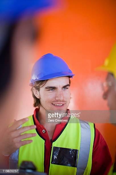 建設で作業