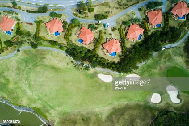 Bâtiment adjacent au parcours de golf.