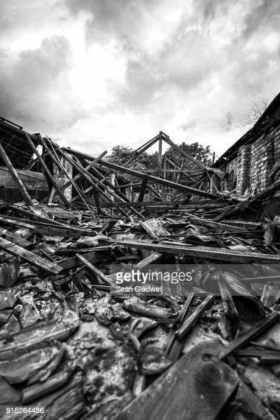 building collapsed - house collapsing stock pictures, royalty-free photos & images