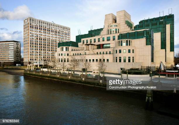 MI6 building headquarters of the british intelligence service located at 85 Albert Embankment on the river Thames Designed by Terry Farrell and built...