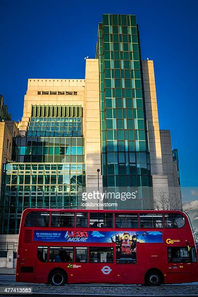 sis (secret intelligence service or mi6) building in london - headquarters stock pictures, royalty-free photos & images