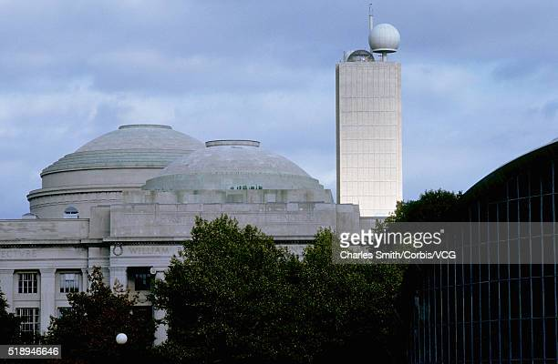 building on the campus of mit - massachusetts stock pictures, royalty-free photos & images
