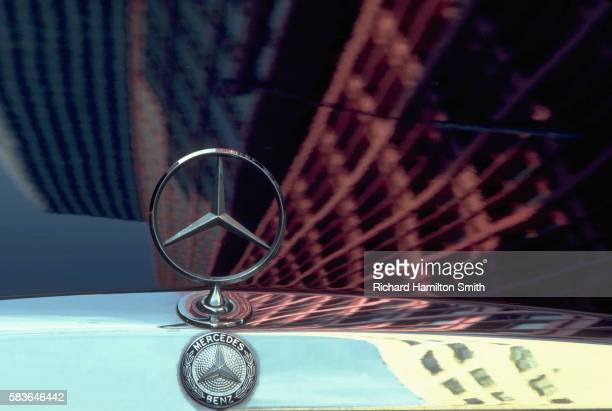 building reflections on mercedes hood - mercedes benz stock pictures, royalty-free photos & images