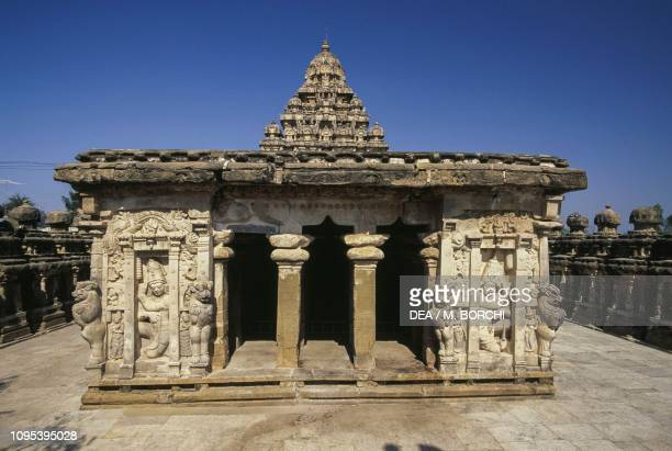 Building with a portico in the Kailasanatha temple enclosure, Kanchipuram, Tamil Nadu, India, 7th century.