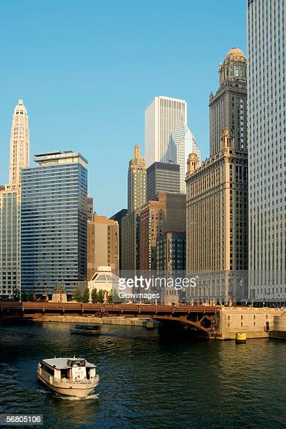 Buildings along a river, Chicago River, Chicago, Illinois, USA