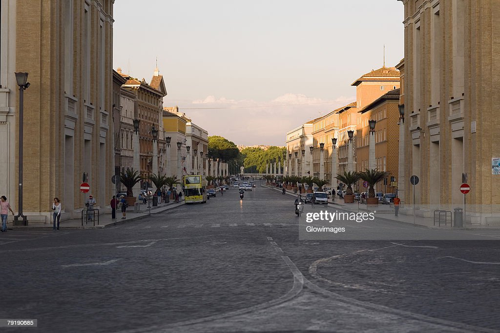 Buildings along a road, Rome, Italy : Foto de stock