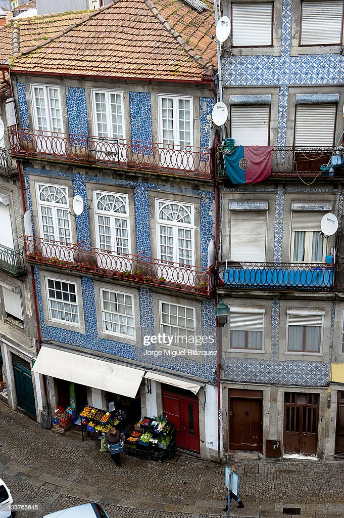 Buildings and street of Porto,Portugal : Foto de stock