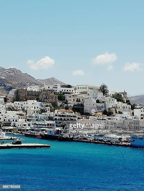 buildings by sea - naxos stockfoto's en -beelden
