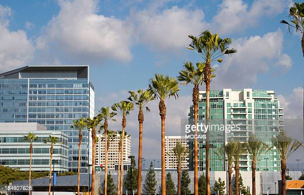 buildings in irvine - california stockfoto's en -beelden