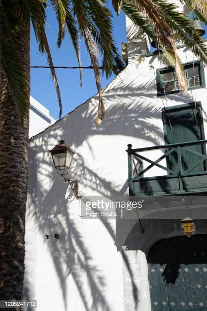 buildings in the centre of santa cruz de la palma. - hugh threlfall stock pictures, royalty-free photos & images