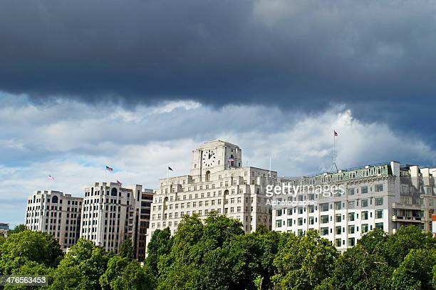 buildings on the north bank of the thames - department of defense stock pictures, royalty-free photos & images