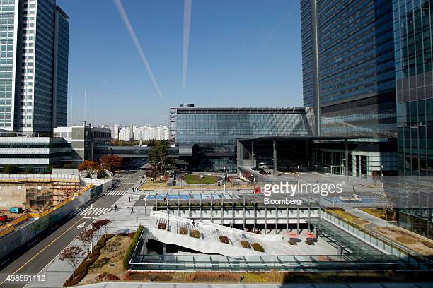 Buildings stand at Samsung Electronics Co's Samsung Digital City in Suwon South Korea on Wednesday Nov 5 2014 Anticipation for a restructuring of the...