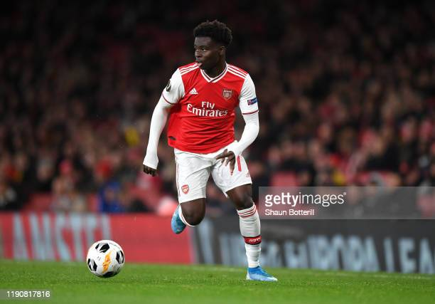 Bukayo Saka of Arsenal runs with the ball during the UEFA Europa League group F match between Arsenal FC and Eintracht Frankfurt at Emirates Stadium...