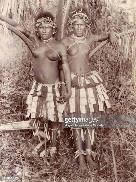Bulaa girls in dancing dress Papua New Guinea 1898
