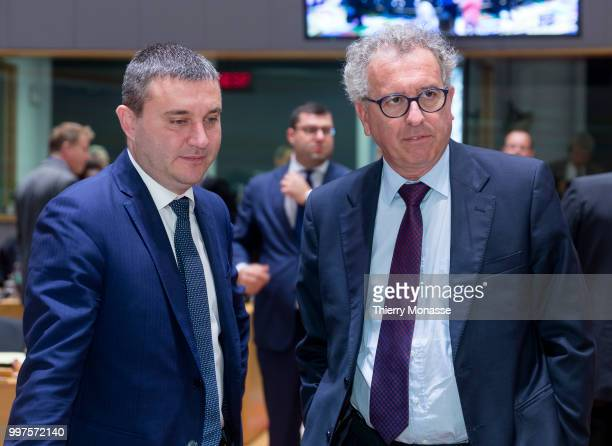 BRUSSELS BELGIUM JULY 13 Bulgarian Finance Minister Vladislav Goranov is talking with the Luxembourg Minister of Finance Treasury Budget Pierre...