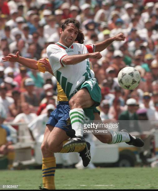 Bulgarian midfielder Hristo Stoichkov shoots on goal during the World Cup soccer match for third place between Bulgaria and Sweden 16 July 1994 at...