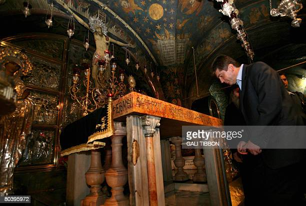 Bulgarian President Georgi Parvanov visits the Golgotha the spot where according to Christian tradition Jesus was crucified by the Romans during his...