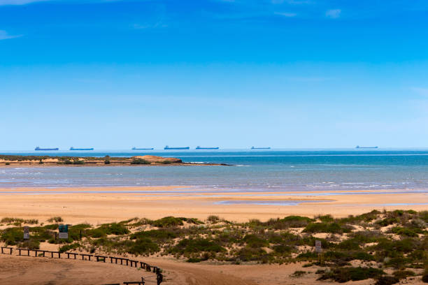 AUS: Offshore Bulk Carriers, Salt Production And A Scrapyard In Port Hedland