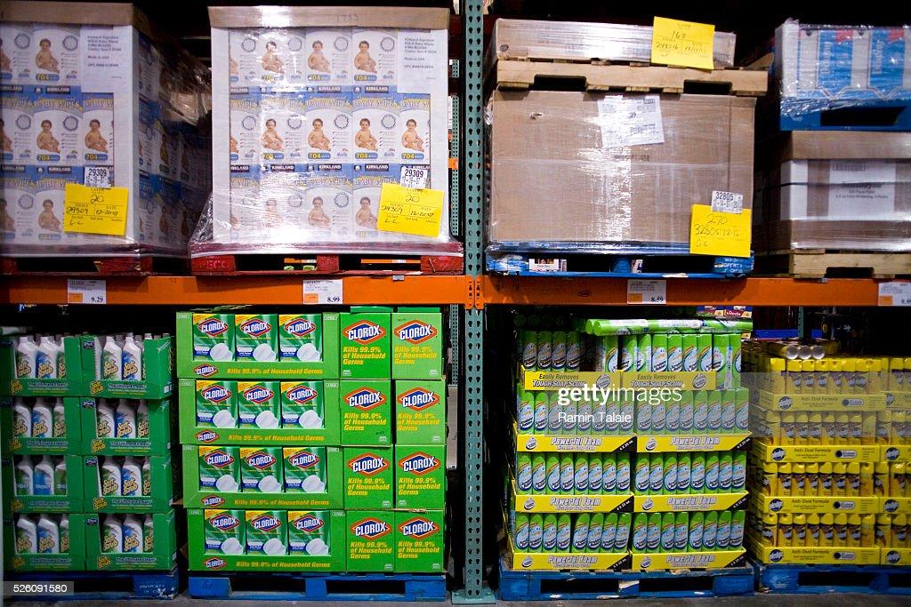 Bulk Items for Sale : News Photo