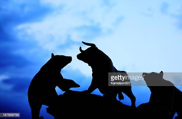 bull and bear market - bear market stock pictures, royalty-free photos & images