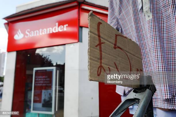 Banco Santander Sa Branches As Bank Buys Stakes In Three Fintech