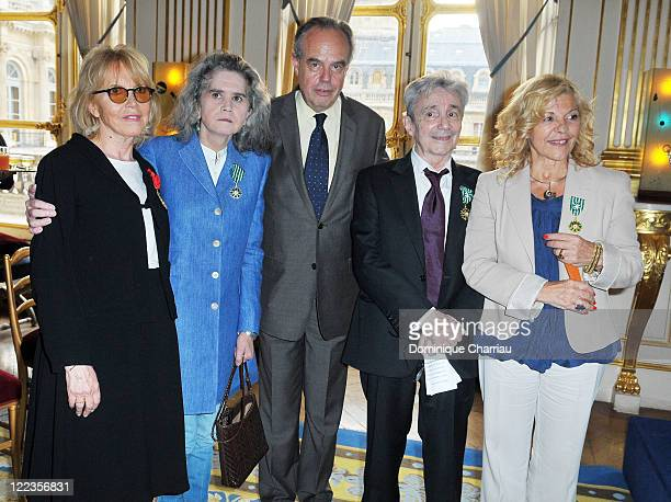 Bulle Ogier, Maria Schneider, Minister of Culture Frederic Mitterrand, Claude Vega and Nicoletta pose after the ceremony at the Ministry of Culture...