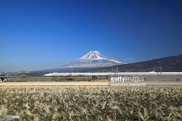 bullet train and mount fuji - plusphoto stock pictures, royalty-free photos & images
