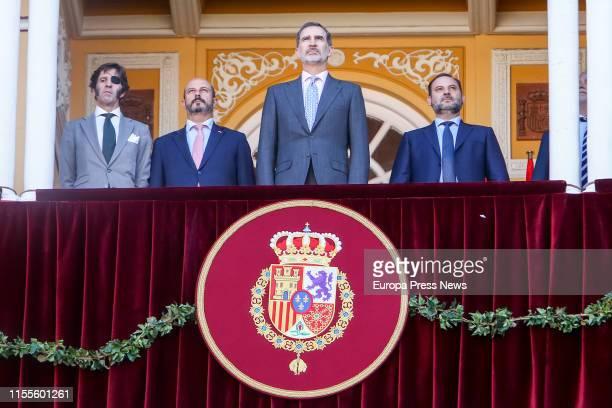 Bullfighter José Padilla, acting president of Madrid, Pedro Rollán, King Felipe VI and Development minister, José Luis Ábalos, attend La...