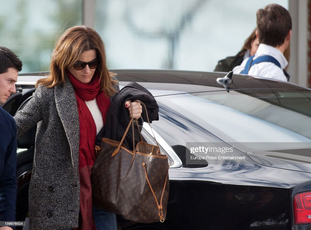 Bullfighter Julian Lopez 'El Juli' (R) and his wife Rosario Domecq (2L) are seen arriving at Ruber International Hospital on January 23, 2013 in Madrid, Spain. They decided to go to this Hospital after they and their twin-babies were involved in a car accident.