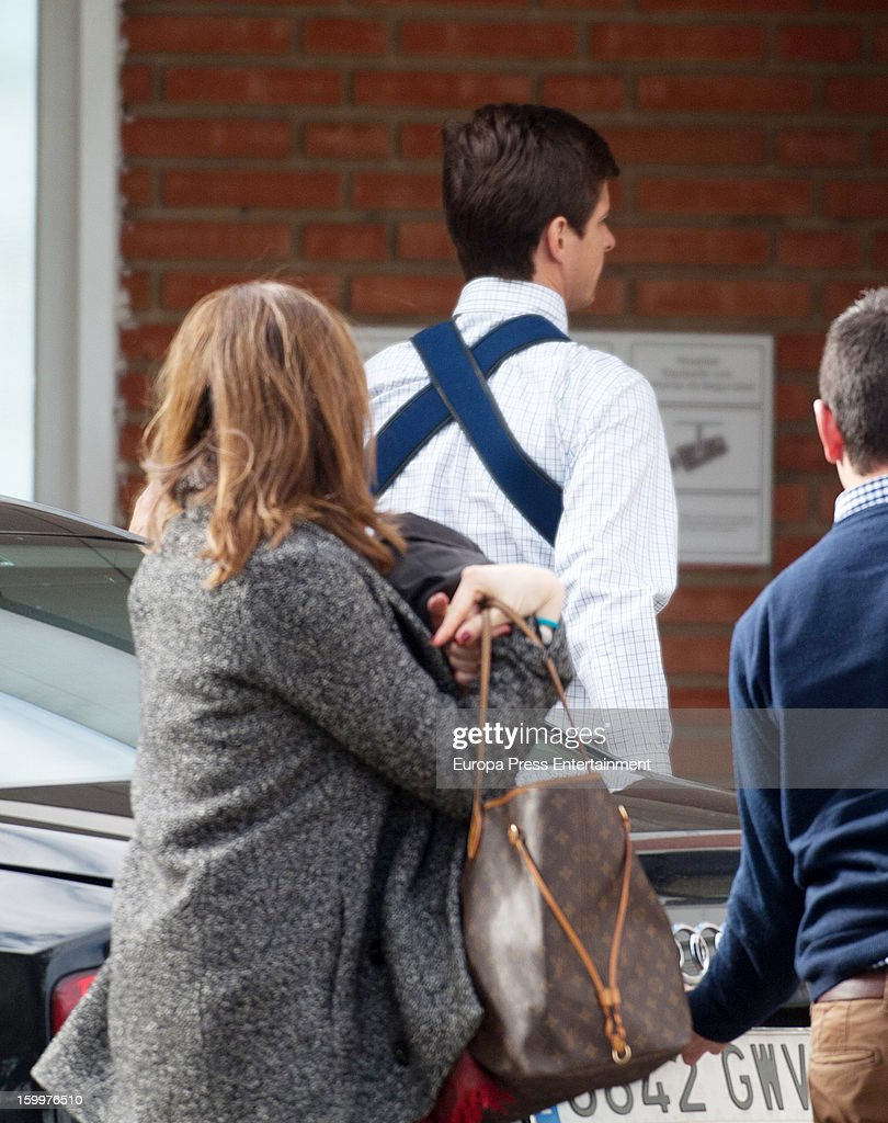 Bullfighter Julian Lopez 'El Juli' and his wife Rosario Domecq are seen arriving at Ruber International Hospital on January 23, 2013 in Madrid, Spain. They decided to go to this Hospital after they and their twin-babies were involved in a car accident.