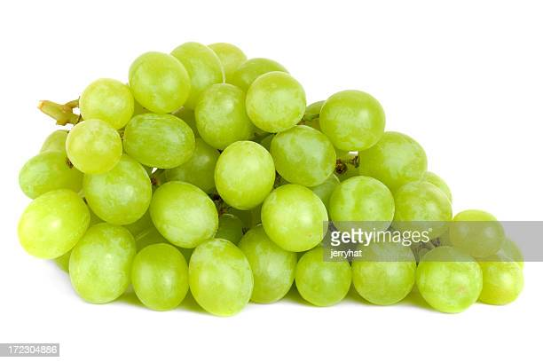 bunch of green grapes laying - druif stockfoto's en -beelden