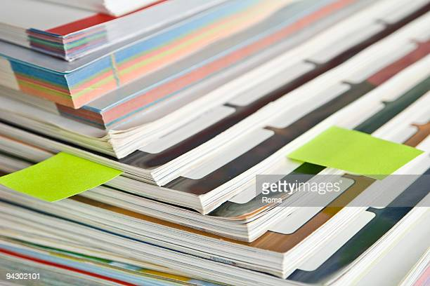 bunch of magazines - revue stock pictures, royalty-free photos & images