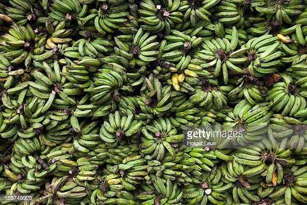 bunches of bananas at market - manaus - fotografias e filmes do acervo