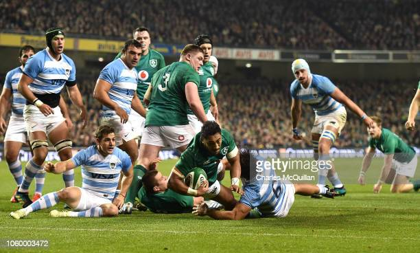 Bundee Aki of Ireland scores a try during the International Friendly match between Ireland and Argentina at Aviva Stadium on November 10 2018 in...
