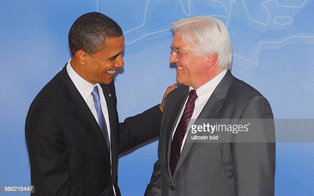 Bundesaußenminister FrankWalter Steinmeier trifft den designierten Präsidentschaftskandidaten Barack Obama in Berlin