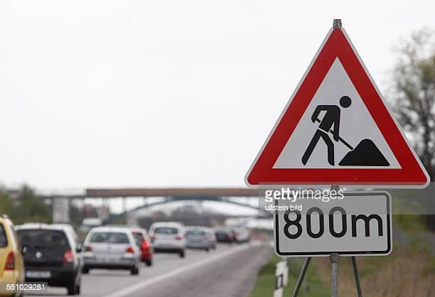 Bundesautobahn Autobahn A9 BAB9 zwischen Dessau Süd und Bitterfeld in Fahrtrichtung München Ab nächste Woche soll hier gebaut werden Stau Staus sind...