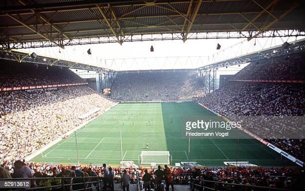 Bundesliga 00/01, Dortmund; Borussia Dortmund - 1. FC Nuernberg 2:0; Uebersicht Westfalenstadion