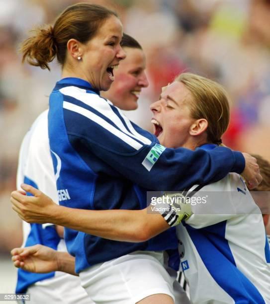 1 Bundesliga 02/03 Babelsberg 1 FFC Turbine Potsdam 1 FFC Frankfurt 00 1 FFC Frankfurt Deutscher Frauen Meister 2003 Jubel Nia KUENZER /Frankfurt