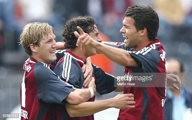 Bundesliga 02/03, Berlin; Hertha BSC Berlin - FC Bayern Muenchen; Jubel Bastian SCHWEINSTEIGER, Claudio PIZARRO, Michael BALLACK/Bayern