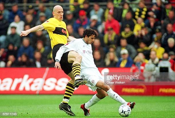 1 Bundesliga 02/03 Dortmund Borussia Dortmund FC Bayern Muenchen 10 Jan KOLLER/Dortmund Claudio PIZARRO/Bayern