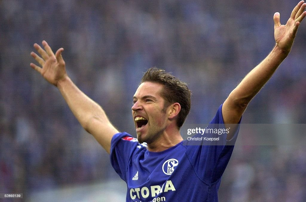 Fussball: 1. Bundesliga 02/03 : News Photo