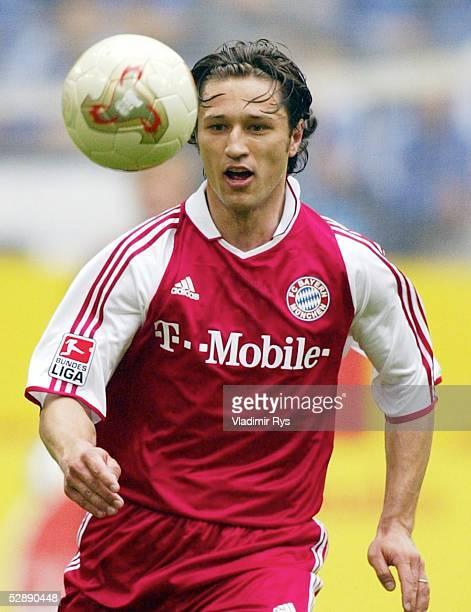 1 Bundesliga 02/03 Gelsenkirchen FC Schalke 04 FC Bayern Muenchen 10 Niko KOVAC/Bayern