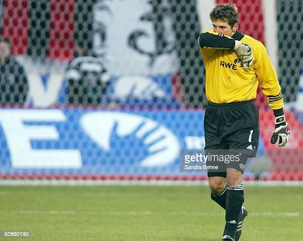 1 Bundesliga 02/03 Leverkusen Bayer 04 Leverkusen FC Hansa Rostock 12 Torwart Joerg BUTT/Leverkusen enttaeuscht
