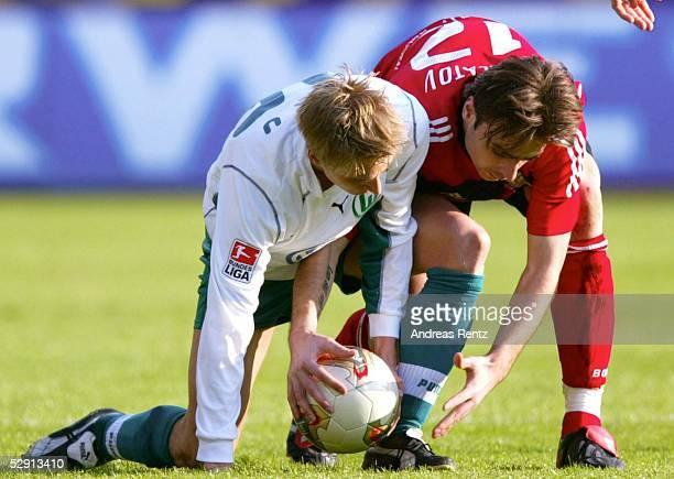 1 Bundesliga 02/03 Leverkusen Bayer 04 Leverkusen VfL Wolfsburg 11 Tobias RAU/Wolfsburg Dimitar BERBATOV/Leverkusen