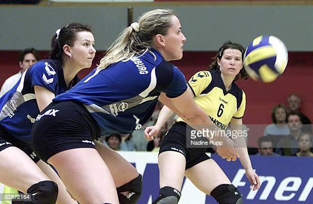 1 Bundesliga 02/03 Meisterschaftsrunde Hamburg Lidiya SHUMAKOVA Christina BENECKE Sabine VERWILTJUNGCLAUS/Phoeneix