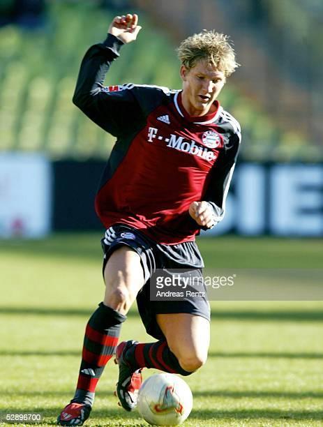 1 Bundesliga 02/03 Muenchen FC Bayern Muenchen FC Hansa Rostock 10 Bastian SCHWEINSTEIGER/Bayern