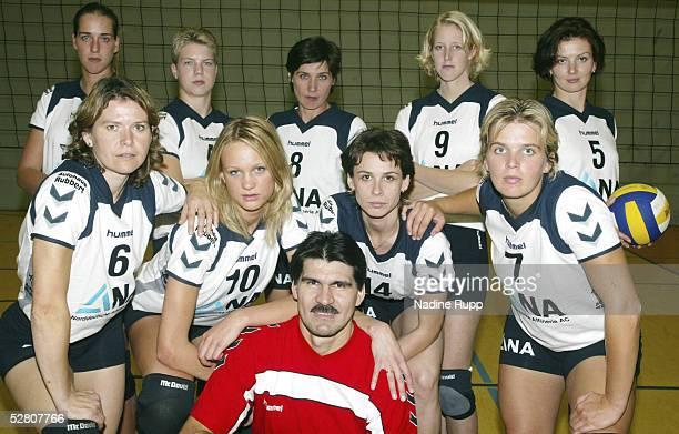 1 Bundesliga 03/04 Fischbek TV Phoenix Hamburg Hinten Christina BENECKE Johanna BARG Spielertrainerin Marina CUKSEEVA Kerstin AHLKE Lidiya SHUMAKOVA...