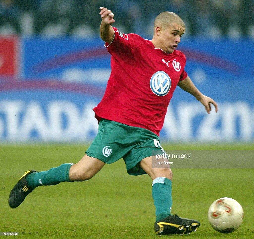 Fussball: 1. BL 03/04, FC Schalke 04 - VfL Wolfsburg : Nachrichtenfoto
